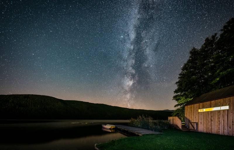 <p>Biwak im Schilf mit Sternenhimmel, Millstätter See</p>