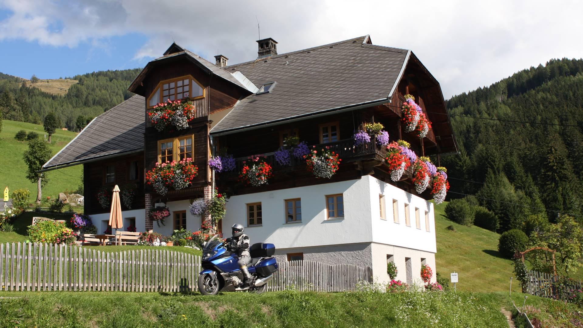 Mirnock Bergstraße in Gschriet