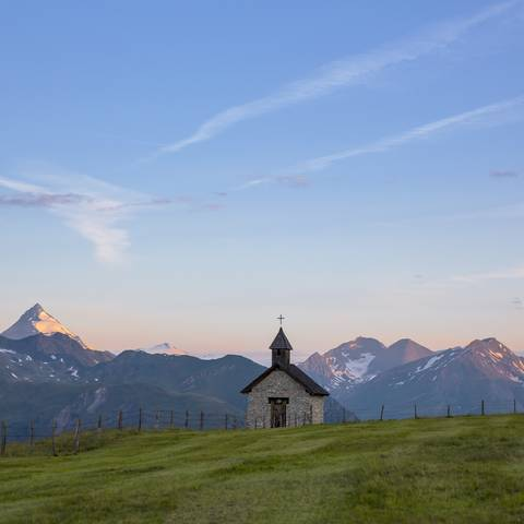 Mörtschach mit der Mohar Kapelle in der Nationalpark-Region Hohe Tauern
