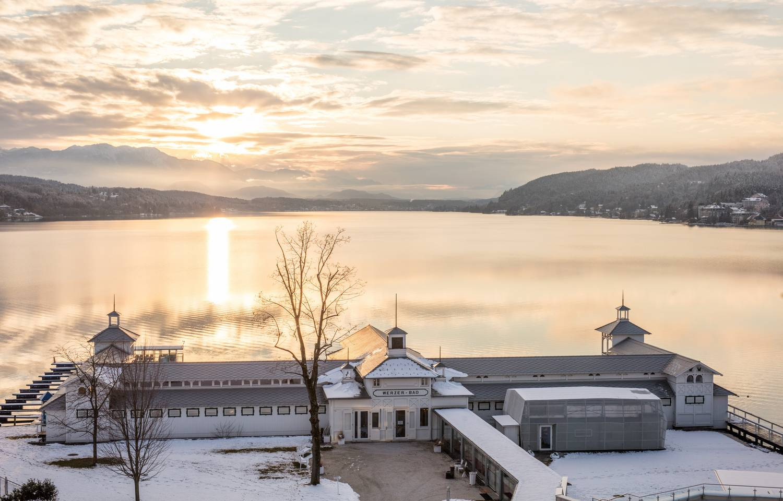 Werzers Pörtschach Blick auf den See im Winter