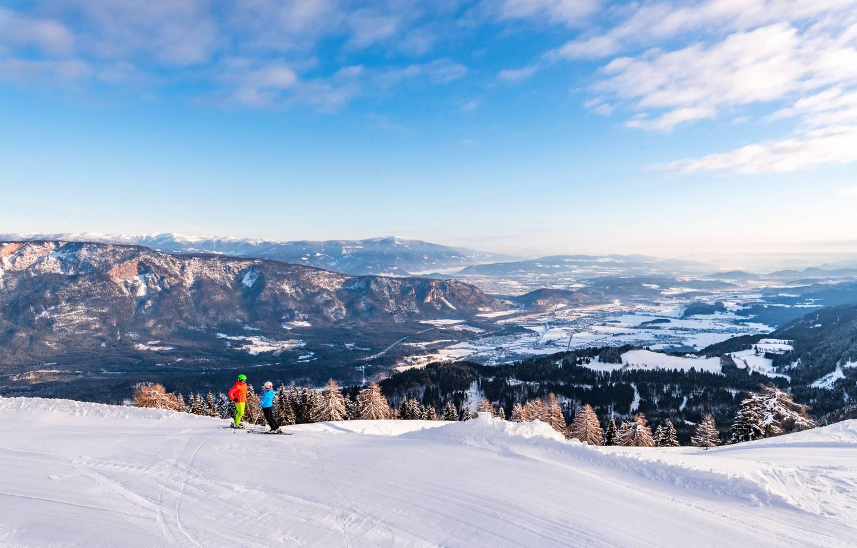 Villach Advent Winter Dreilaendereck Ski